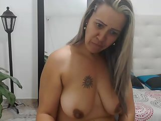 Colombian mom with juicy limp boobs watches how i cum!