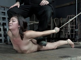 Asian chick Coralee Summers tied give and pussy distressing hardcore