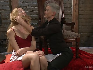 Jiz Lee and Emma Haize love to role-play as authority and a slave