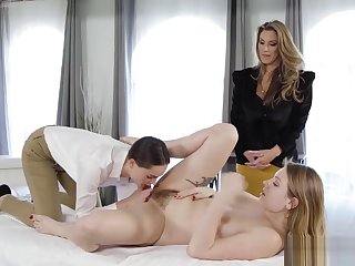 Hot massage professional normal by a perverted lesbians
