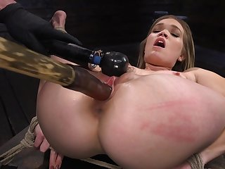 Super flexible whore Katie Kush gets legs catholicity apart and pussy teased