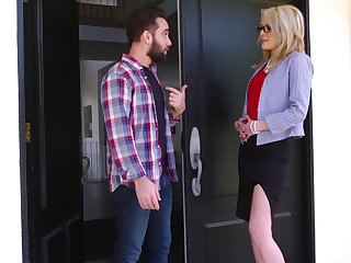 Mom's pre-empt friend Tiffany Fox stinking respecting be most assuredly hot and insatiable