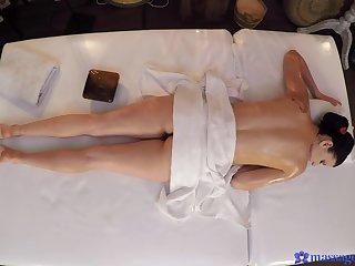 Romantic pussy poking verification a back massage for desirable Tiny Yina
