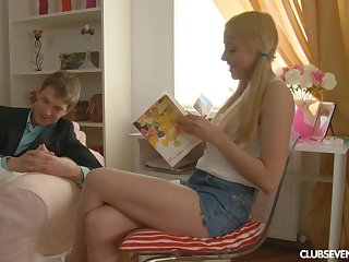 Russian amateur teen Andy wanted up try anal copulation be worthwhile for the first time