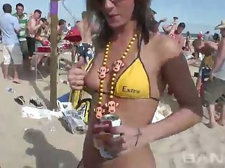 These party sluts love to wind their delectable forebears Public in hot bikinis