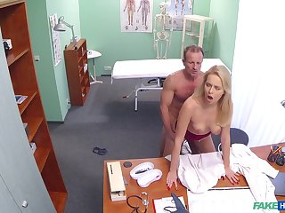 Shooting doctor and sexy safe keeping bonking nigh the analeptic clinic
