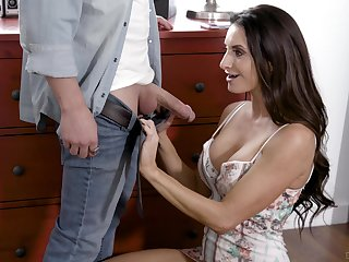 Silvia Saige savors a erotic round for hardcore anal screwing
