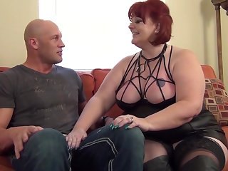 Sensual Sammie - Redhead MILF BBW Sensual Sammie welcomes me take the neighborhood