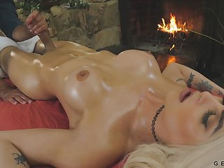 Jaw dropping transgender Domino Presley is fucked tick a full body massage