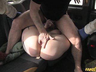 Stunning chick leaves the taxi driver to bust say no to cunt