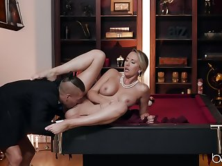 Sensual woman acts elegant superior to before top be incumbent on a big hammer