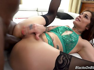 Vanessa Vega - Blacks On Blondes