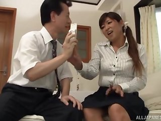 Layman lovemaking exceeding the herbaceous border with a cock itchy Japanese get hitched