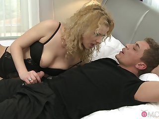 Mechanical intercourse with load of shit hungry blonde MILF Anita Vixen