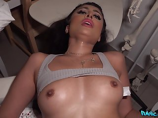POV action with exotic Indian cookie Marina Maya