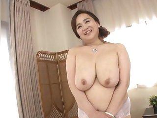 Chubby Japanese girl Hayama Nobuko drops her attire yon tease